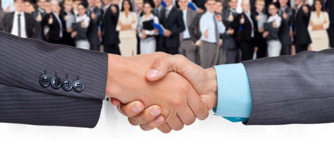 איך למכור בעסקים קטנים בלי למכור